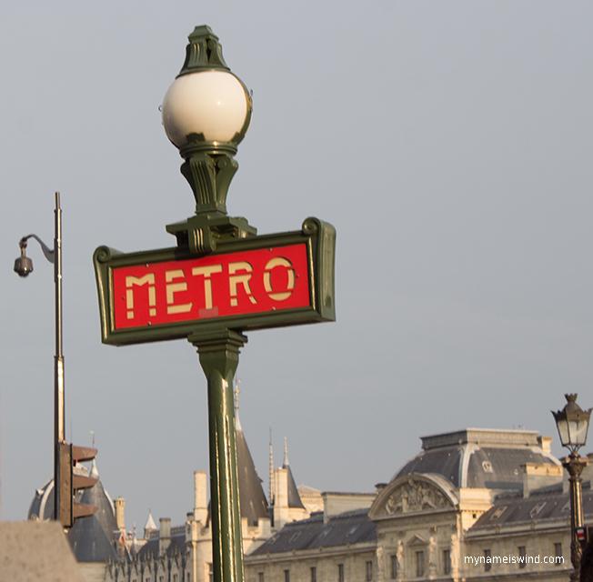 Komunikacja miejska w Paryżu+ plan metra w pdf
