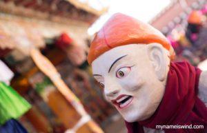Tańczący z mnichami, czyli jak oswoić się z demonami